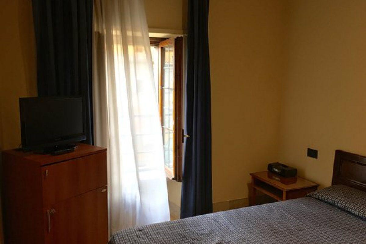"""In concorso: """"Mondial Hotel"""""""